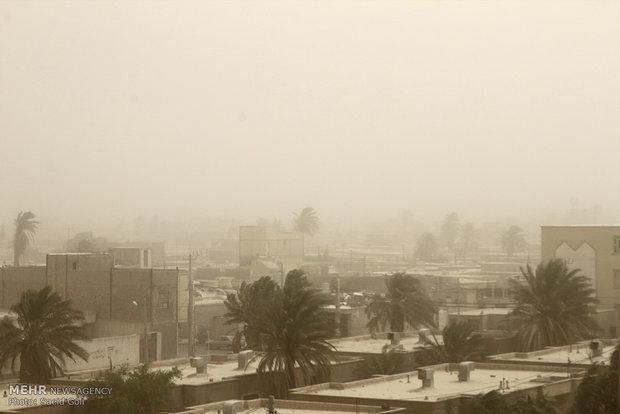 وزش باد نسبتا شدید در شمال سیستان وبلوچستان، گردو غبار پدیده غالب