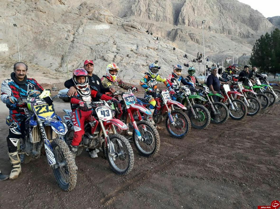 اعزام 12 موتورسوار کرمانی به رقابت های قهرمانی کشور