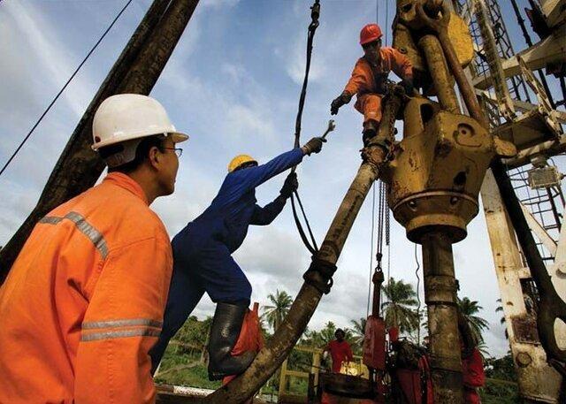 مزد منطقه ای حلّال مشکل بیکاری نیست