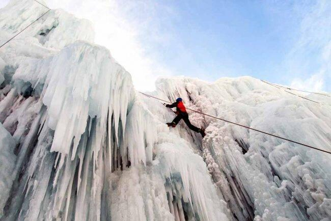 صعود به هملون و تماشای غارهای عجیبش